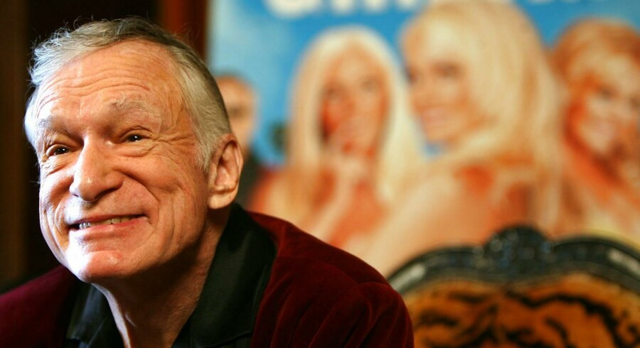 """Den legendariske Hugh Hefners selskab """"Playboy TV"""" fik hidset bestyrelsen for et 1700-tals fort i England gevaldigt op."""
