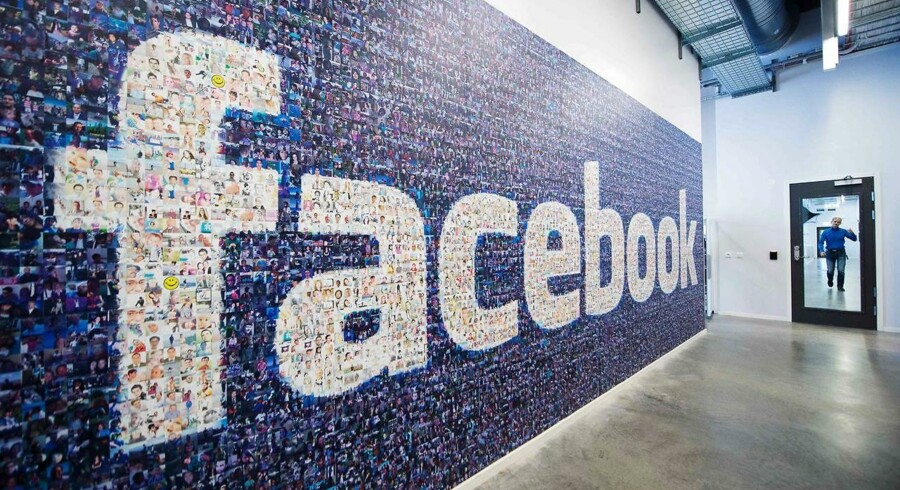 Ved at udelade alle dem, der kun så filmklip under tre skunder, har Facebook pumpet sine seertal op med helt op til 80 procent. Arkivfoto: Jonathan Nackstrand, AFP/Scanpix