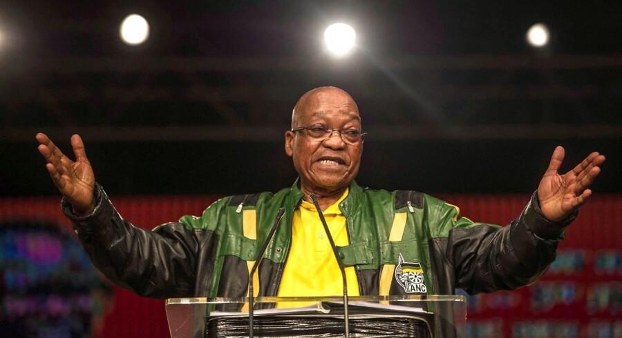 Sydafrikas præsident, Jacob Zuma, er svækket af korruptionsanklager og har skabt splittelse i Nelson Mandelas frihedsbevægelse ANC. Partiet vælger i weekenden den person, som formentligt skal afløse ham. Reuters/Siphiwe Sibeko