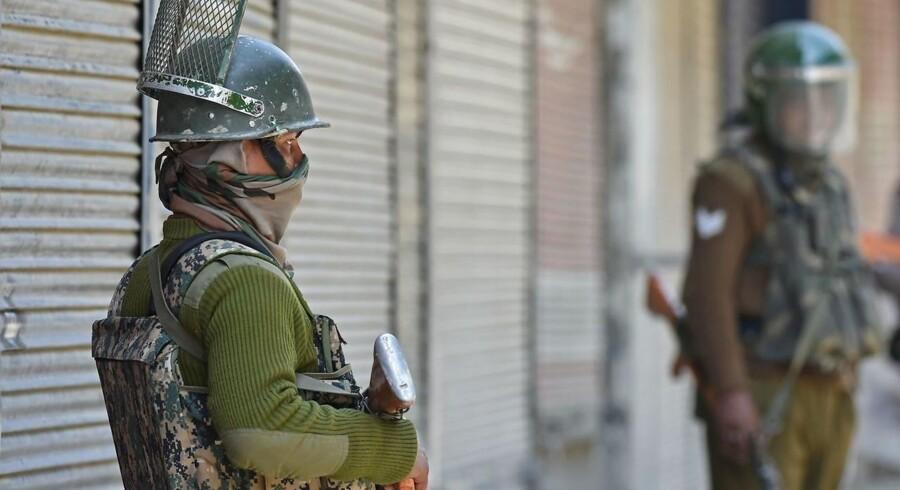 ARKIVFOTO: Paramilitære soldater