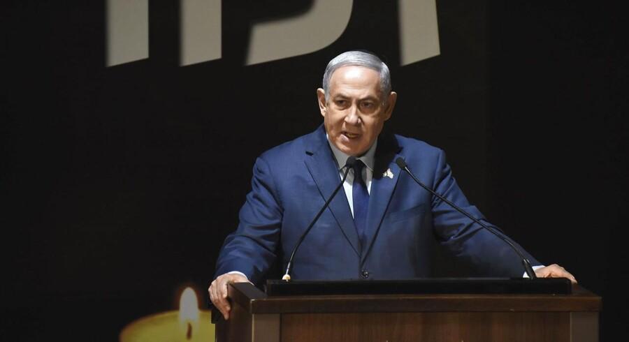 I en tale onsdag ved en ceremoni i Jerusalem fremsatte Netanyahu både et fredsbudskab og en advarsel til potentielle fjender. (Foto: Debbie Hill/Pool via AP)