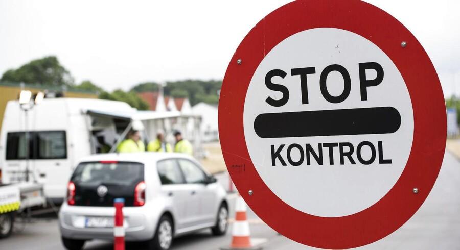 Politiet indfører indrejsekontrol til Bornholm i forbindelse med Folkemødet. Arkivfoto fra grænsen ved Kruså. (Foto: Claus Fisker/Scanpix 2017)