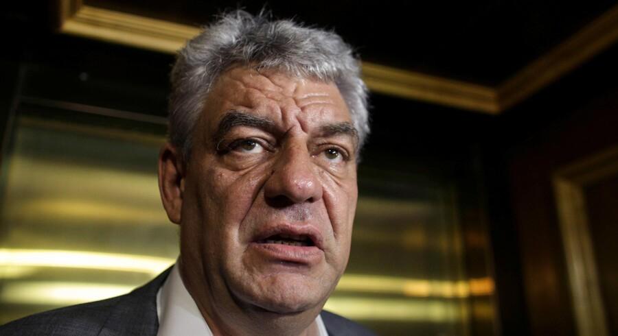 »Jeg har med tanke på den aktuelle krise og nødvendigheden af at bremse den besluttet at udpege Mihai Tudose som premierminister,« siger Rumæniens præsident, Klaus Iohannis. Reuters/Inquam Photos