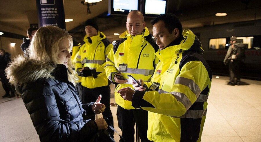 Arkivfoto. Der er sket en stigning i antallet af asylansøgere i Sverige, siden id-kontrollen blev afskaffet. (Foto: Nils Meilvang/Scanpix 2017)