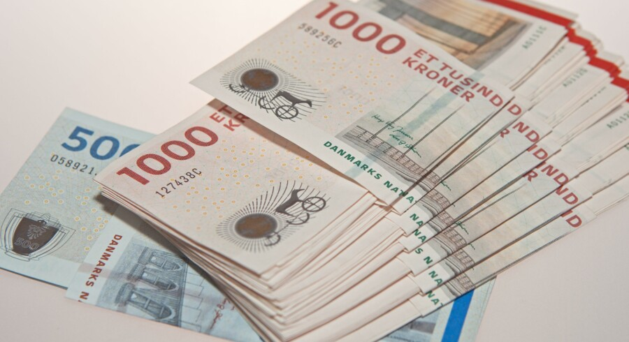 En ældre kvinde udleverede et femcifret beløb i kontanter til en ældre mand, efter at en mand havde ringet og udgivet sig for at være hendes barnebarn. Det falske barnebarn oplyste kvinden, at han havde brug for pengene til at reparere en vandskade. Free/Peter Andersen 0045 40106628
