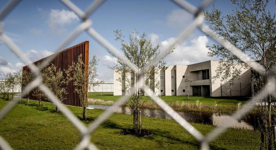 Med plads til 250 indsatte bliver Storstrøm Fængsel Danmarks næststørste lukkede fængsel. Det moderne fængsel har mulighed for effektiv sektionering og er derfor særligt egnet til at huse flere forskellige grupper af indsatte.. (Foto: Mads Claus Rasmussen/Scanpix 2017)