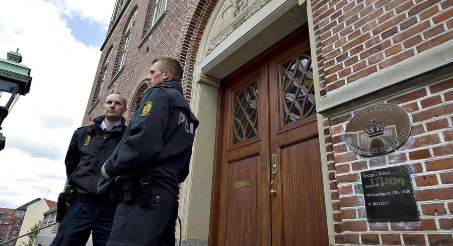 Arkivfoto: Bomben, der i oktober blev fundet i en kælder på Peter Fabers Vej i det vestlige Aarhus, skulle muligvis have været brugt som led i en verserende bandekonflikt i Aarhus.