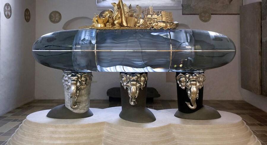 H.M. Dronningens gravmæle er opstillet og står i Sankt Birgittas Kapel i Roskilde Domkirke. Her vil Dronningen blive stedt til hvile ved siden af næsten 40 danske konger og dronninger fra den tidlige middelalder og frem til i dag.