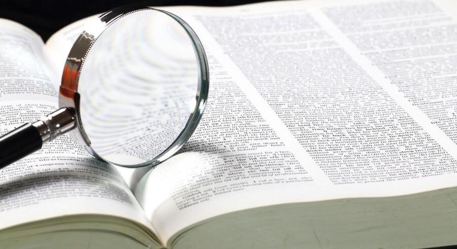 Har vi adgang til en million ord? Er de 280.000 ord i Ordbog over det danske Sprog et mere præcist tal, eller er det snarere de officielle 100.000 ord i den nyere Den Danske Ordbog?