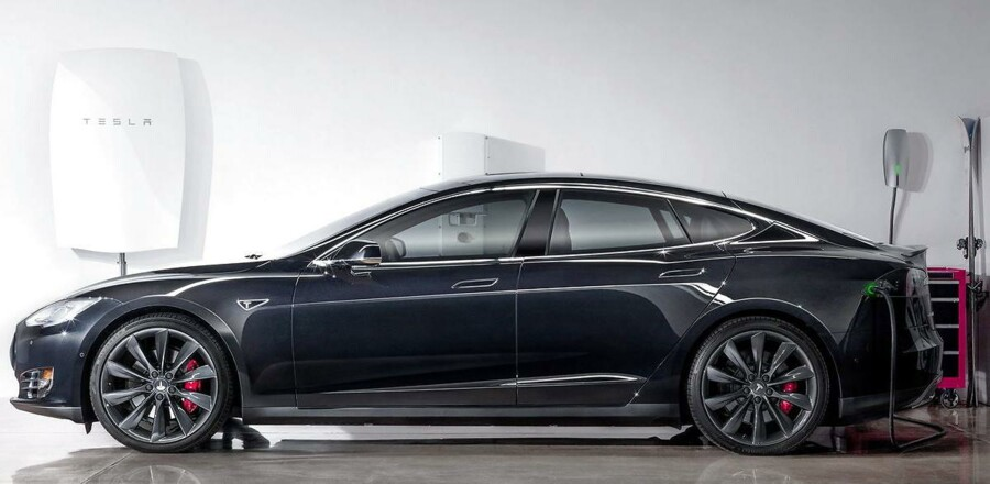 Tesla S biler har dobbelt så stor risiko for at få en kaskoskade på bilen i forhold til gennemsnittet af alle bilmodeller forsikret i Topdanmark. Det viser en frisk opgørelse over skadetal for 2015 for bilmodeller forsikret i Topdanmark. Arkivfoto.