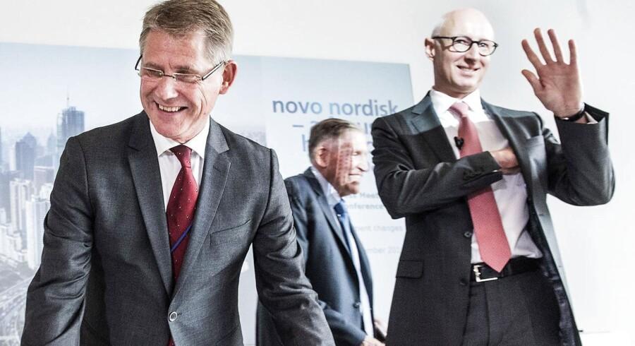 Lars Rebien Sørensen stopper som top chef i Novo Nordisk. th den ny udnævnte direktør fra 1 januar 2017 Lars Fruergaard Jørgensen I baggrunden bestyrelses formand Gören Ando