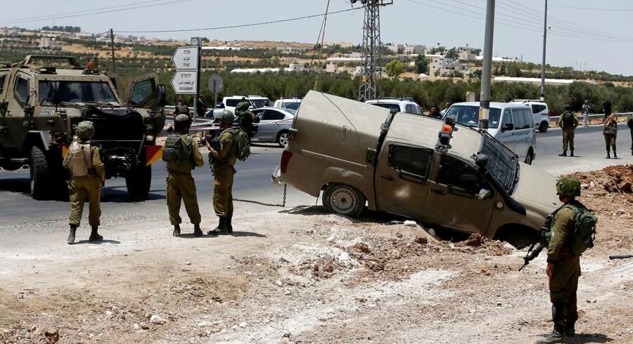 Mandag forsøgte en palæstinenser at påkøre en gruppe soldater på Vestbredden.
