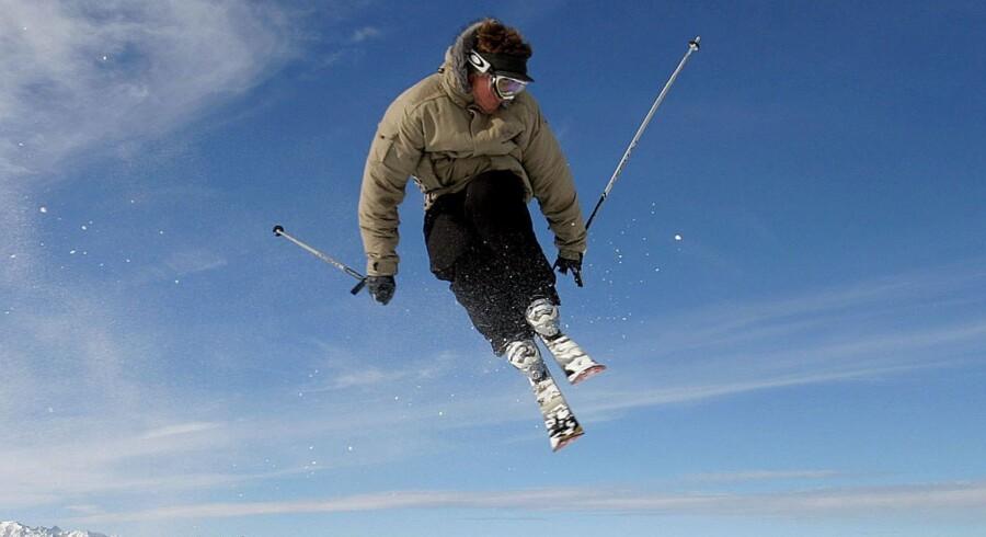 Uanset hvor dygtig man er på ski, så skal man tage hensyn til andre på pisterne, lyder det første vigtige råd til de danske skientusiaster. Free/Colourbox