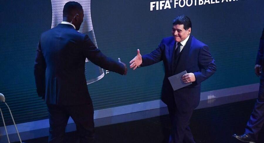 Diego Maradona og Gary Lineker skal være med til at stå for VM-lodtrækningen i Moskva 1. december.