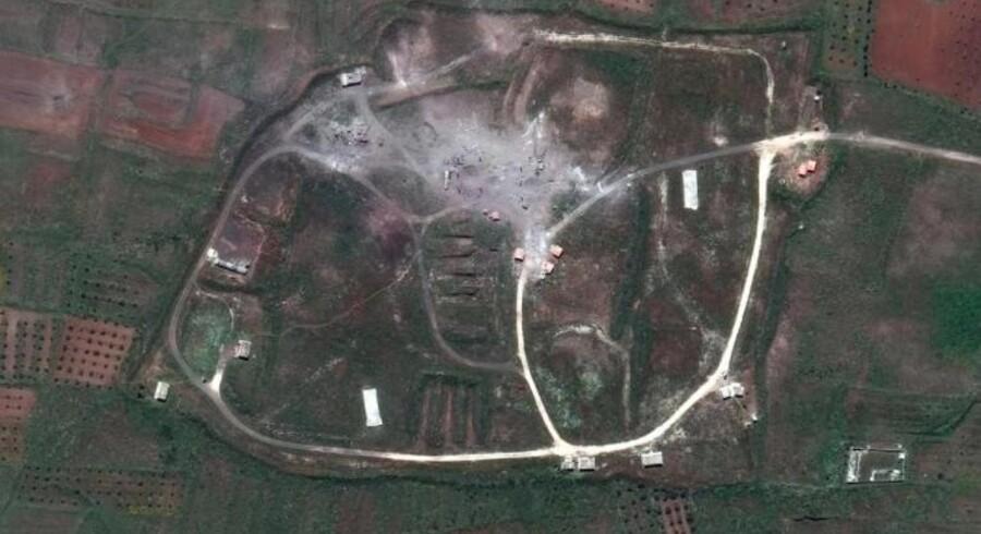 Billede af en syrisk militærbase ved Homs efter weekendens vestlige angreb. Kilde: DigitalGlobe, CNN