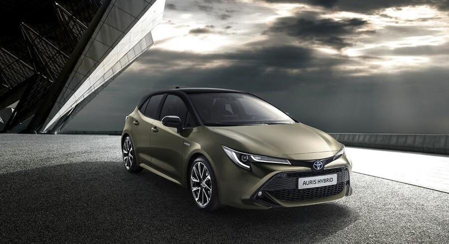 Den nye Auris er den første Toyota, som kommer i to forskellige hybridversioner - en almindelig og en med mere styrke. Den almindelige yder 122 hk, den nye med 2-liters motor yder 180 hk. Auris kommer ikke længere med dieselmotor, og det gælder alle personbiler fra Toyota