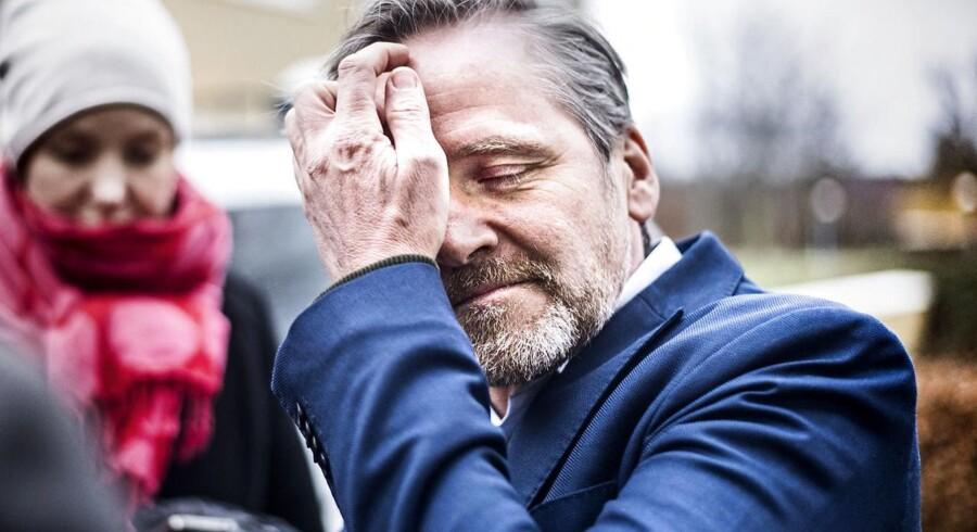 Jyllands-Posten har fredag beskrevet, hvordan et udkast til en aftale med skattelettelser for 10,8 milliarder kroner skrumpede til 7,2 milliarder kroner for at ende med, at regeringen nu forsøger at få skattelettelser for 3,5 milliarder kroner igennem.
