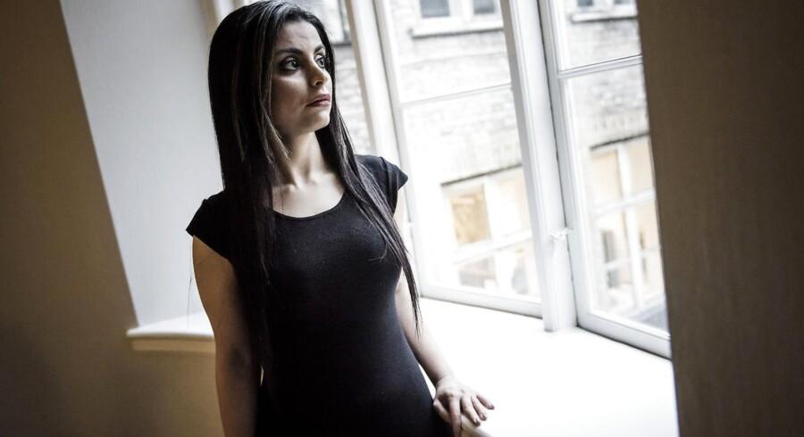 Sara Omar har skrevet romanen »Dødevaskeren« om undertrykkelse af muslimske kvinder.