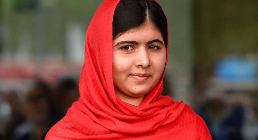"""20-årige Malala Yousafzai er blevet et globalt symbol på kampen for kvinders ret til uddannelse, siden en talibansoldat steg om bord på en skolebus i 2012 og spurgte: """"Hvem er Malala"""", hvorefter han skød hende."""