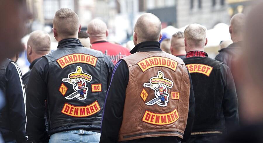 Østre Landsret idømmer en bandidosrocker livstid for at deltage i likvideringen af tre mænd i en lejlighed på Frederiksberg. En 26-årig får 12 års fængsel.