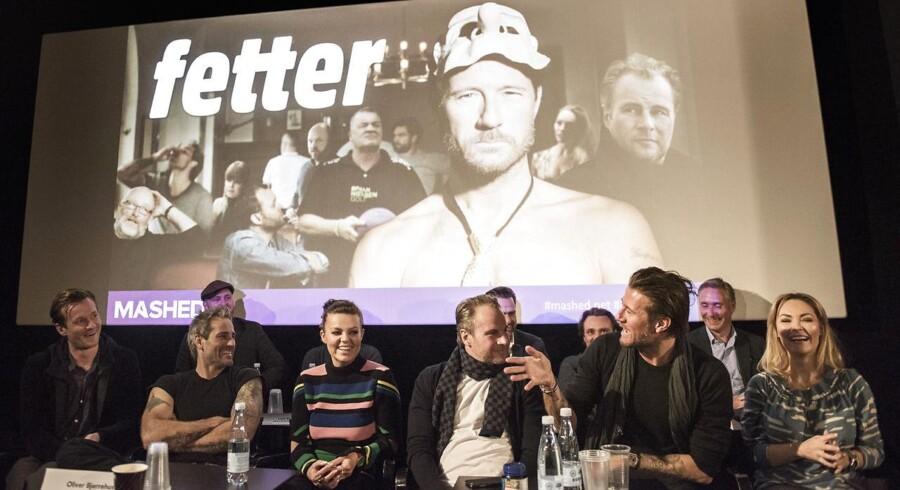 Pressemøde for »Fetter« og Mashed.net. Fra venstre i forreste række ses instruktør Adam Bonke og de medvirkende Oliver Bjerrehus, Lina Rafn, Uffe Holm, Frederik Fetterlein og Mascha Vang.