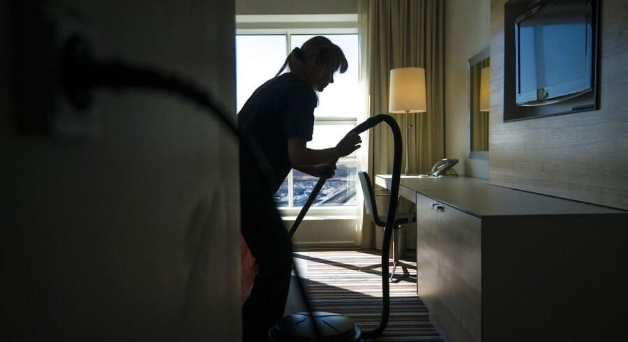 Indvandrere fra de østeuropæiske lande og mindre udviklede lande tager især job i rengøringsbranchen i Danmark.