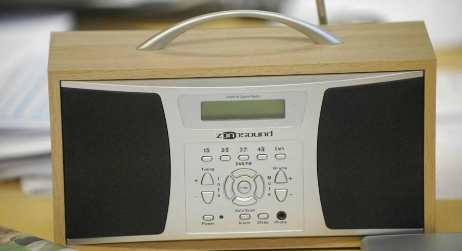 Også Stofa-kunder skal nu på bytur og købe en digital DAB-radio, hvis de fortsat ønsker at høre radio, for der kommer snart ikke længere et radiosignal ud af deres kabel-TV-stik. Man kan dog høre mange af kanalerne på TV-skærmen, hvis man er til det. Arkivfoto: Keld Navntoft, Scanpix