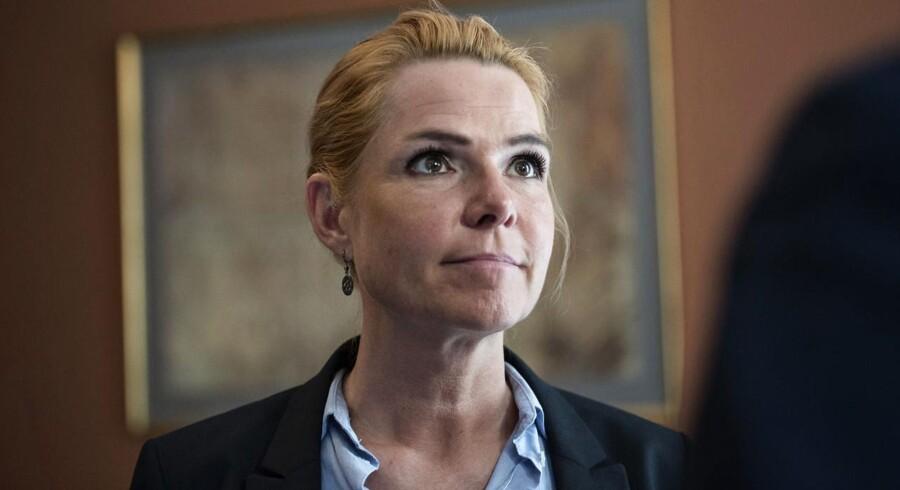 Det første samråd 1. juni varede hele fem timer, så hvis Støjberg og medlemmerne af Folketingets Udlændinge- og Integrationsudvalg så lidt trætte ud i ansigterne bagefter, var der ikke noget at sige til det.
