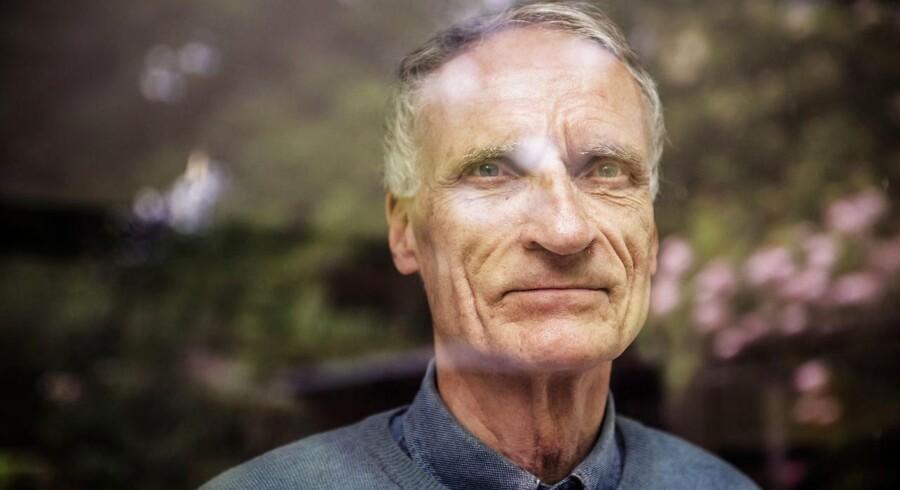 Tidligere Kulturminister Bertel Haarder fotograferet i sit hjem. Nu har han fået ny stilling.