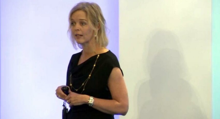 TDCs topchef, Pernille Erenbjerg, satser på, at de værste problemer vil være ovre om halvandet år - men indtil da bliver det hårdt, sagde hun onsdag formiddag i London. Foto: TDC