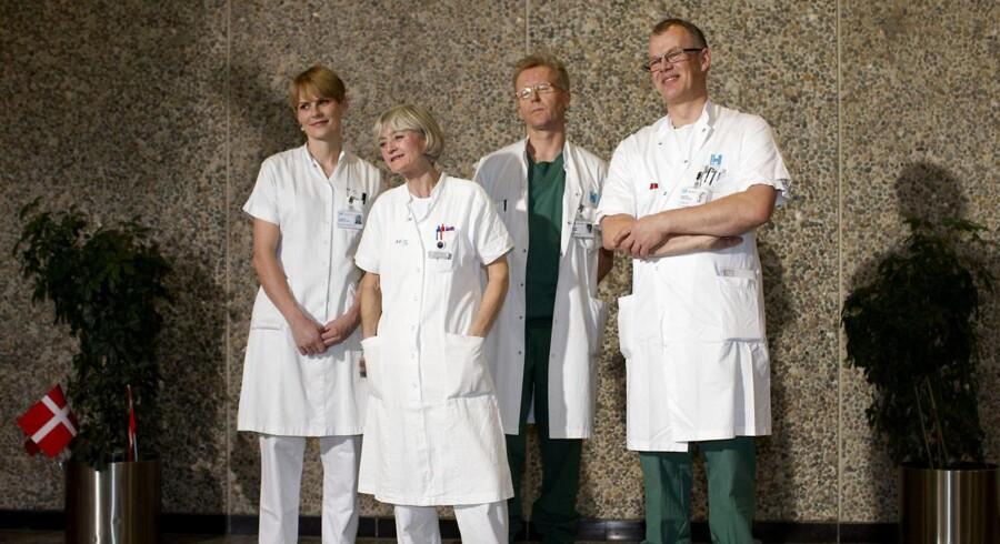 Klinikchef Morten Hedegaard (yderst til højre) forlader Rigshospitalet i protest ved årsskiftet, efter at han i 14 år har stået i spidsen for en af landets største fødeafdelinger.