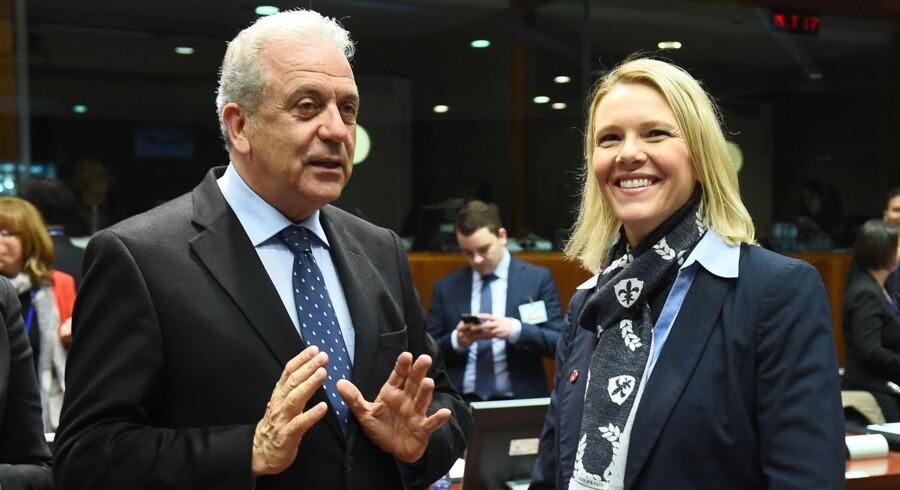 Den norske indvandringsminister, Silvi Listhaug (til højre), har fået kritik fra svenske toppolitikere efter kritiske udtalelser og et besøg i belastet område. Scanpix/Emmanuel Dunand/arkiv