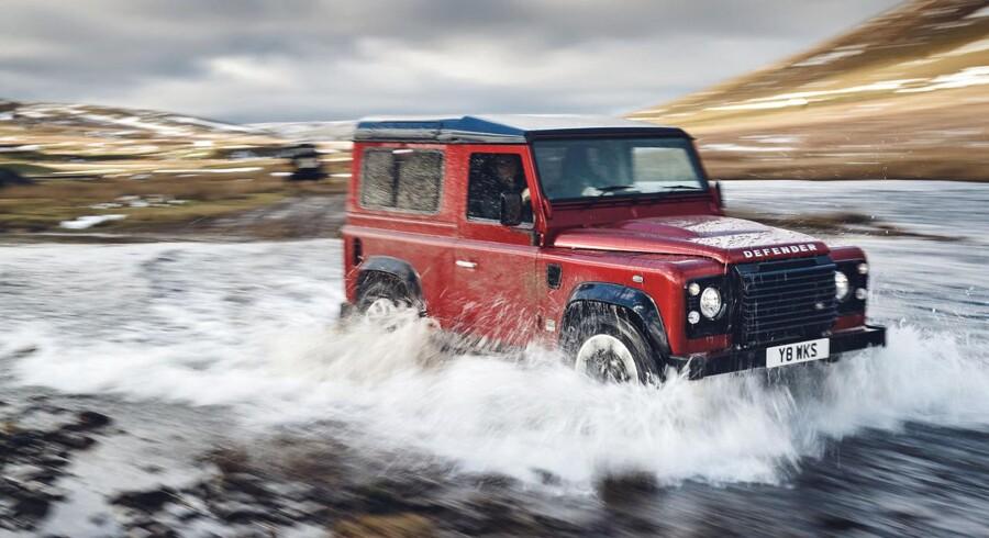Land Rover Defender udgik endeligt af produktion i 2016, da den ikke længere kunne undslippe nutidens krav til crashsikkerhed og emissioner. Nu fylder den 70 år, og Land Rover har begået den genistreg at lave en specialmodel i 150 eksemplarer med V8-motor, alle bygget op omkring brugte modeller