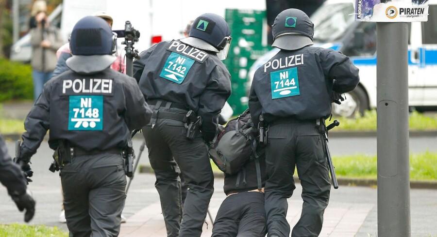 Der har været optøjer under demonstrationer mod Alternative für Deutschland.