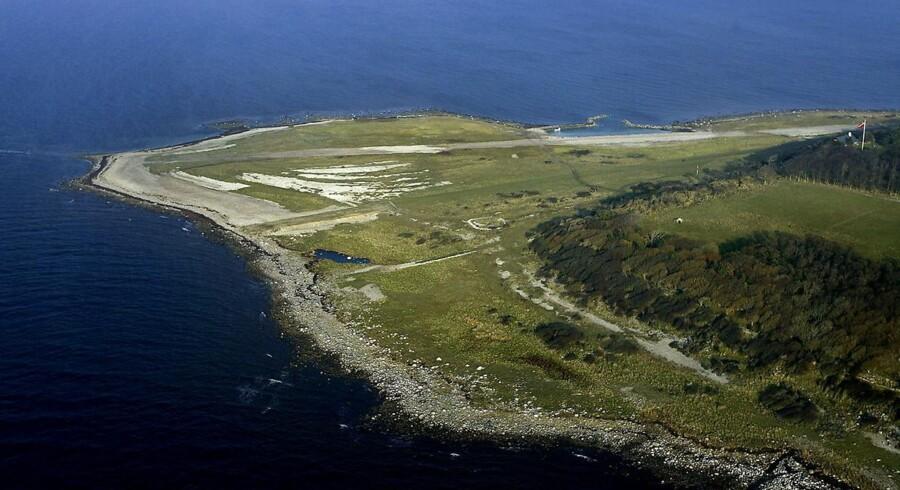 Den ubeboede Hesselø i Kattegat er blot et af de steder i Danmark, som politikerne nu kræver internet i topfart på. Branchefolk ryster på hovedet over, at man dræner pengekassen for investeringer vigtigere steder. Arkivfoto: Linda Kastrup, Scanpix