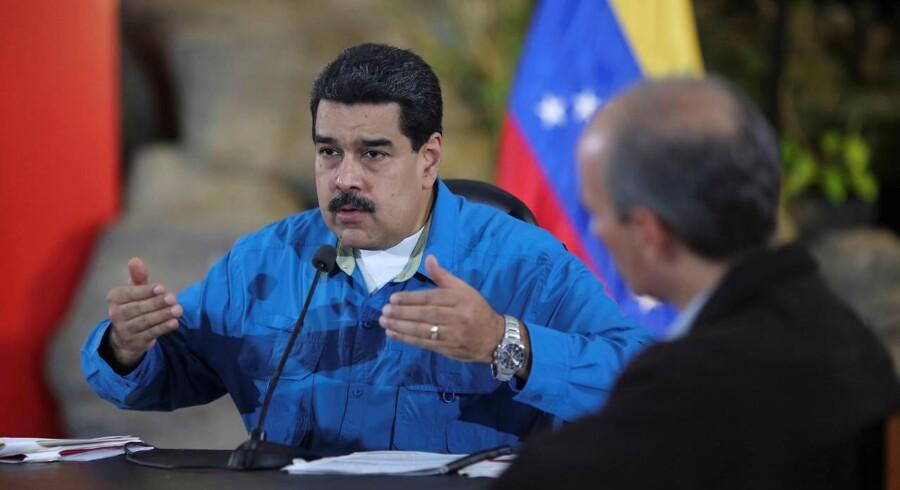 Nicolas Maduro bekræfter, at han vil lytte til oppositionen. Et møde er aftalt onsdag på neutral grund.