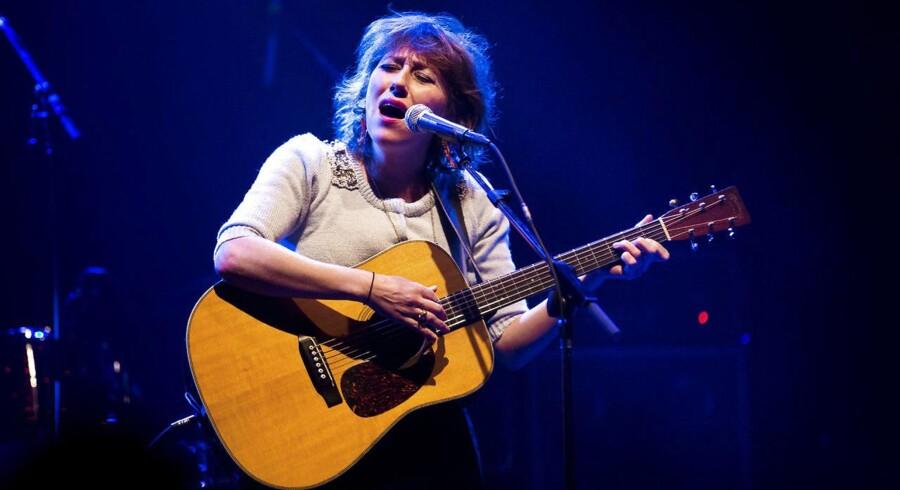 Martha Wainwright, her på scenen i Amager Bio 30. november 2012, er aktuel med det nye album »Goodnight City«.