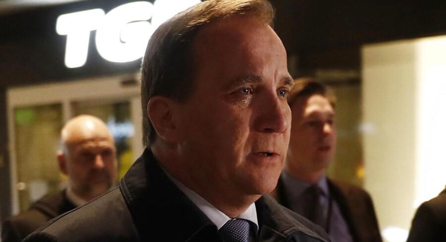 Sveriges statsminister, Stefan Löfven, melder afbud til de svenske socialdemokraters kongres efter angrebet i Stockholm