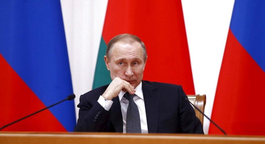Sagen om den 34-årige Nadija Savtjenko har forlængst vakt international opsigt. Europaparlamentet har fordømt Ruslands »bortførelse og illegale frihedsberøvelse« af hende.