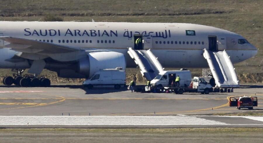 ARKIVFOTO: Saudi Arabian Airlines har mandag informeret sine kunder om et forestående forbud mod at bringe elektroniske apparater større end en mobiltelefon med i kabinen.
