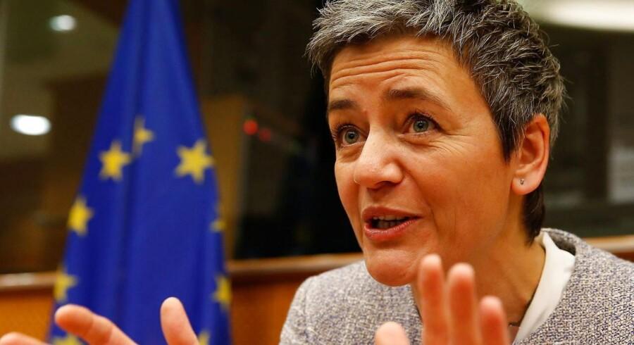 »Jeg skal hilse at sige, at der er noget at gøre!« siger EUs konkurrencekommissær, Margrethe Vestager (R), om arbejdet med at skabe et digitalt, indre marked i de 28 EU-lande. Arkivfoto: Julien Wernand, EPA/Scanpix