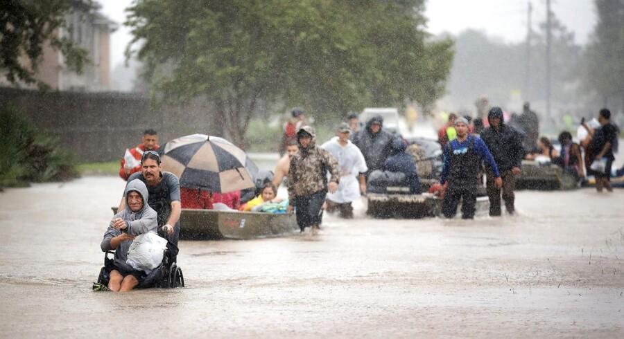 Myndighederne skønner, at orkanen Harvey har forårsaget skader for milliarder af dollar.