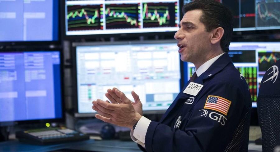 Arkivfoto. Det amerikanske aktiemarked lukkede med kurstab tirsdag, men niveauet var et stykke fra dagens lavpunkt. Geopolitiske risici vejede tungt på stemningen, mens investorerne gør klar til starten på den amerikanske regnskabssæson.