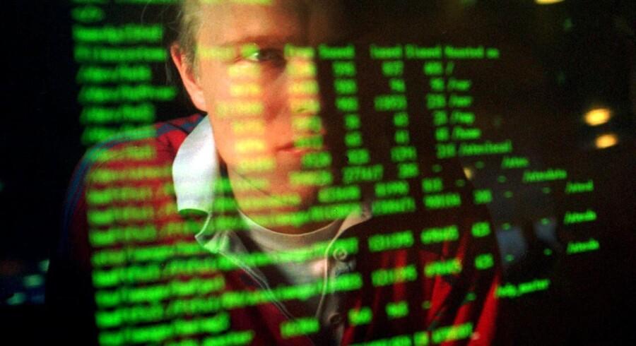 Kriminelle bander i Europa bevæger sig i stigende grad inden for forskellige arenaer. Flere bruger nu internettet til at begå kriminalitet.
