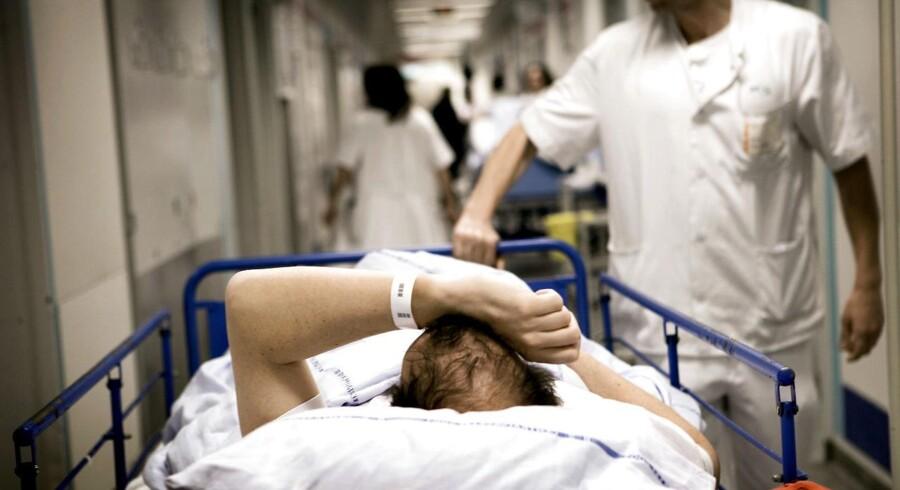 Massiv politisk fokus og hundredevis af millioner kroner har endnu ikke kunnet reducere problemet med massiv overbelægning på mange sygehus-afdelinger, viser opgørelse.