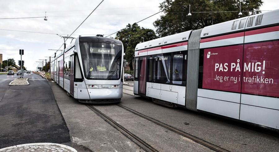 Aarhus Letbane har, til stor ærgrelse for ikke mindst Aarhus Letbane selv, meddelt, at den ikke bliver køreklar til tiden. Et skøn lyder på, at letbanen først vil være klar om halvanden til to måneders tid. Det er dog ikke meget i forhold til, hvor længe den har været undervejs. Arkivfoto.