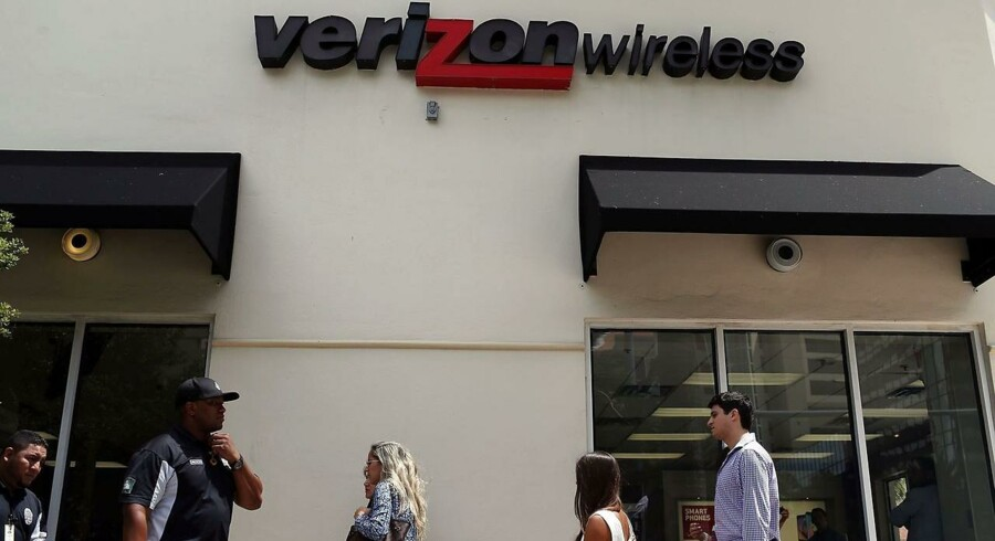 CORAL GABLES, FL - MAY 12: A Verizon wireless store is seen on May 12, 2015 in Coral Gables, Florida.