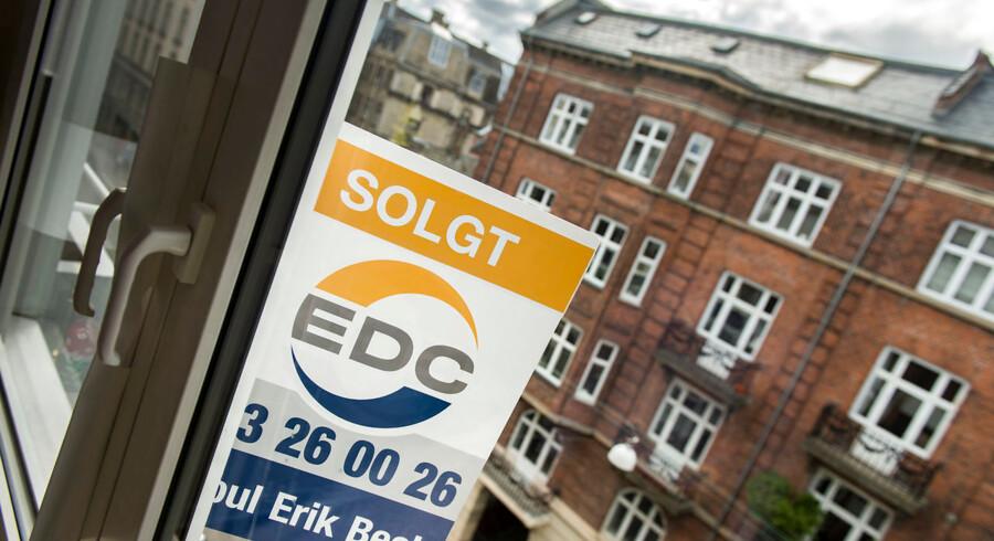 To fastforrentede lån kæmper i øjeblikket om at være »drømmelånet«. Chefanalytiker Jeppe Borre opvejer fordele og ulemper ved 1,5 procent-lånet i forhold til to procent-lånet.