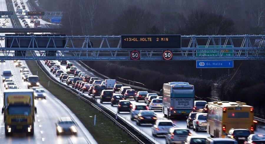 Motorvejen vil ifølge polititet være spærret i længere tid.