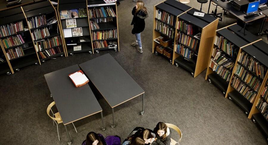 »Jeg synes, det er møgirriterende, at der er nogle mennesker i vores by, som ikke respekterer, at bibliotekerne er til for dem, der skal låne en bog eller bruge en computer.«